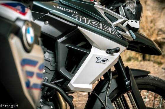 Review: BMW F 850 GS versus Triumph Tiger 800 XCa – Team Throttle